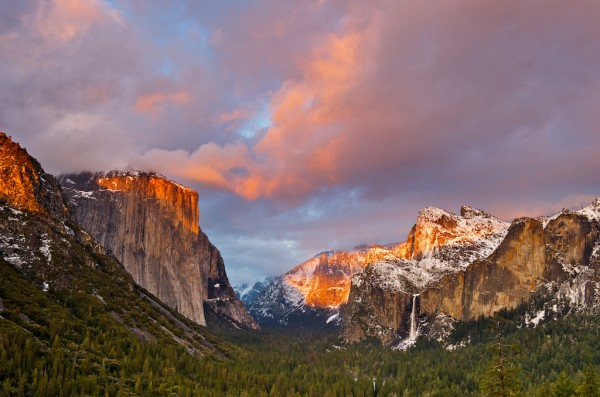 A winter storn clears over Yosemite Valley.